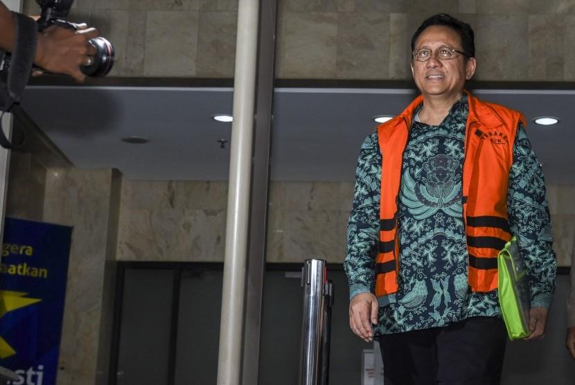 Mantan Ketua DPD RI Irman Gusman di kantor KPK. Hari ini anggota DPD akan melakukan pemilihan ketau DPD pengganti Irman Gusman