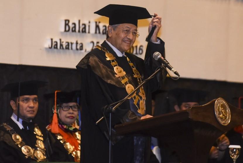 Reuni Ganjil Dr Mahathir dan Anwar Ibrahim