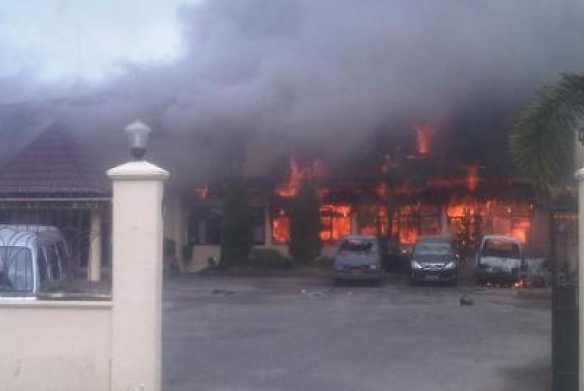 Mapolres Papua dibakar oleh warga
