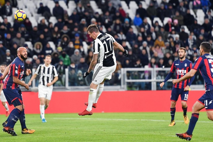 Kalahkan Crotone 3-0, Juventus Tempel Inter Milan