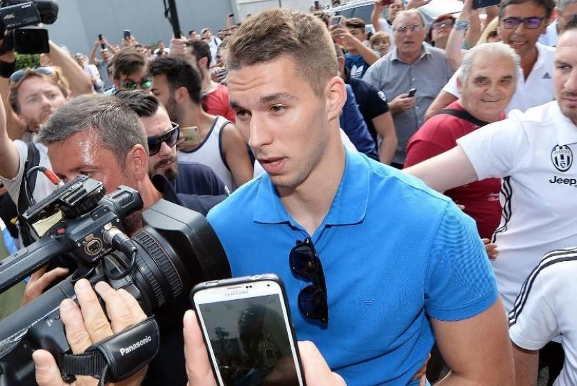 Pjaca tak akan Meninggalkan Juventus