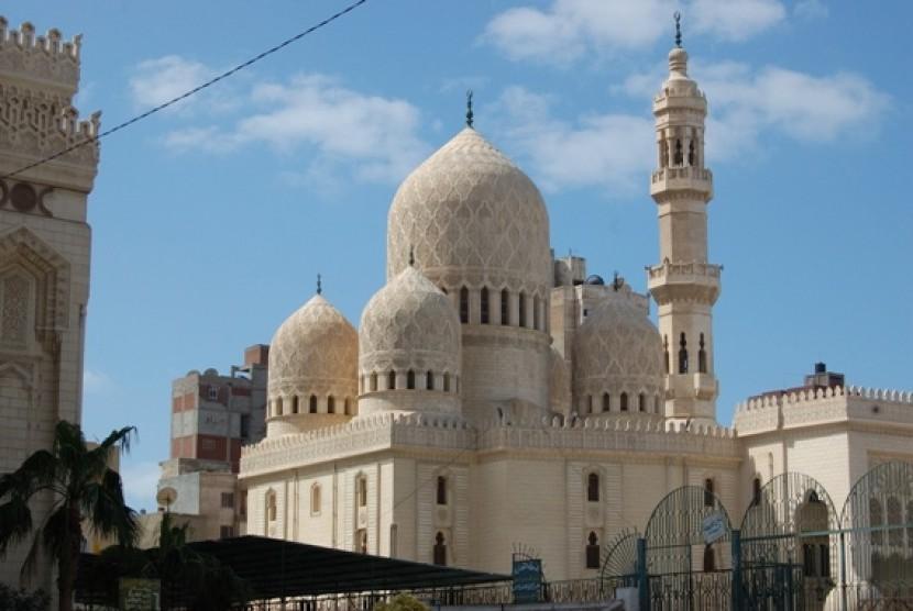 Masjid Bersejarah Alexandria dan Jejak Sang Sufi