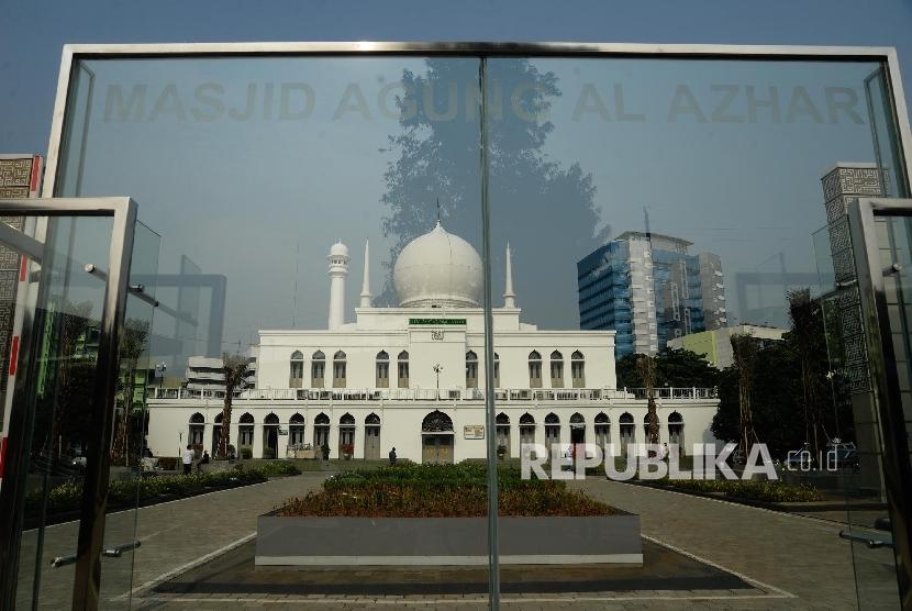 Masjid Agung Al-Azhar, Kebayoran Baru.