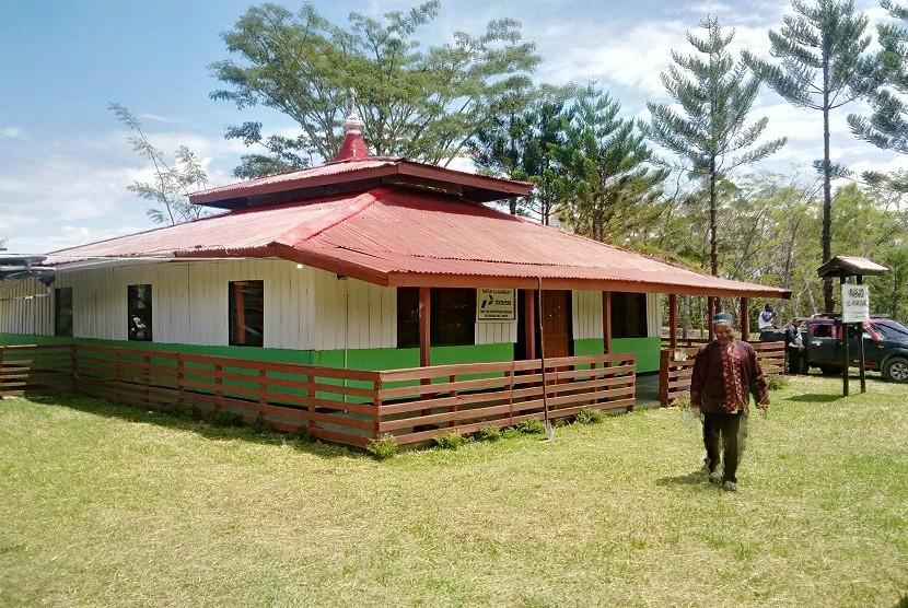 Masjid Al Muhtadin, Jegara, Jayawijaya, Papua.