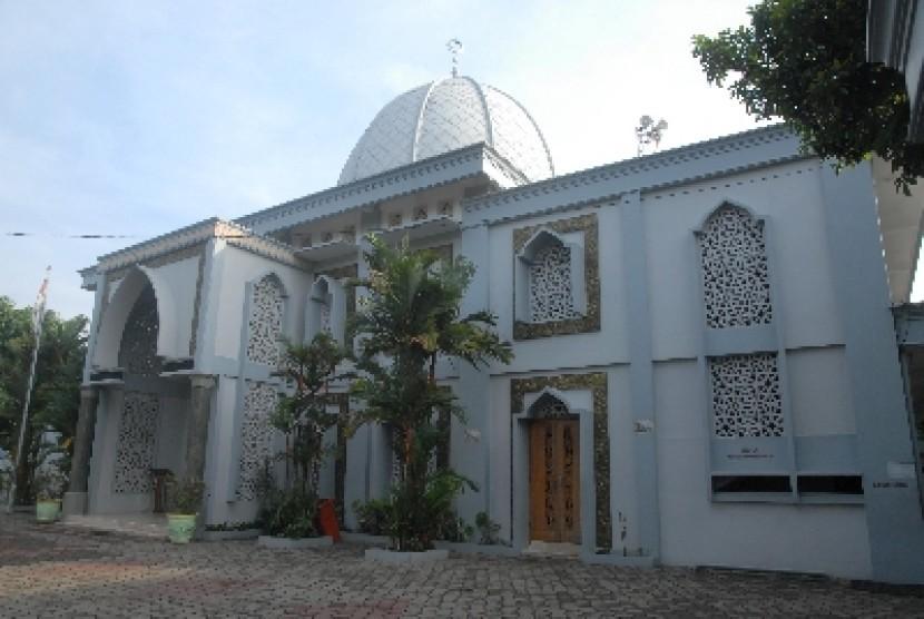 Masjid At-Taqwa, Srengseng Sawah, Jakarta.