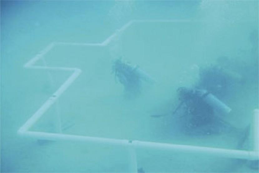 Masjid di dalam air.