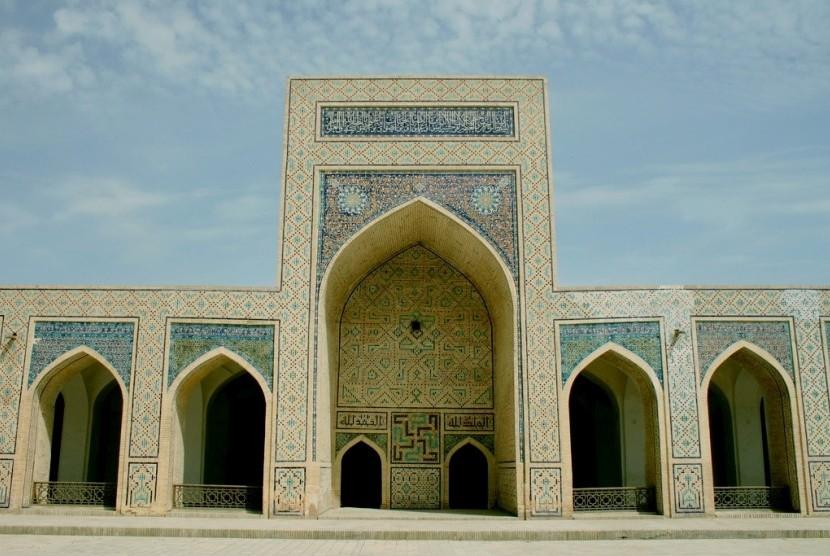 Masjid Kalon di Bukhara.