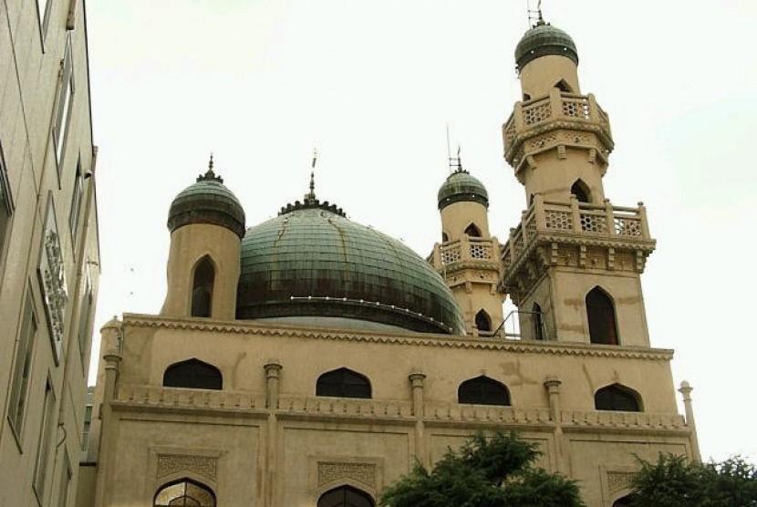 Masjid Kobe di Nakayamate Dori, Chuo-ku, Kota Kobe, Prefektur Hyogo, Jepang.
