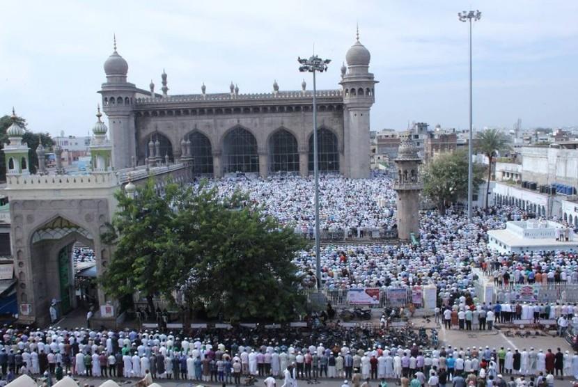 Masjid Makkah di Hyderabad, India.