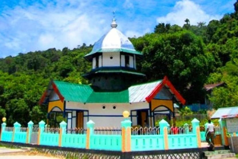 Masjid Patimburak di Fakfak, Papua Barat, menandai hadirnya Islam di tanah Papua sejak tahun 1700 lampau.