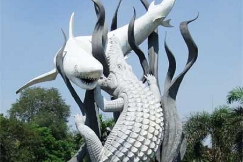 Maskot Kota Surabaya, Suro dan Boyo (ikan hiu dan buaya)