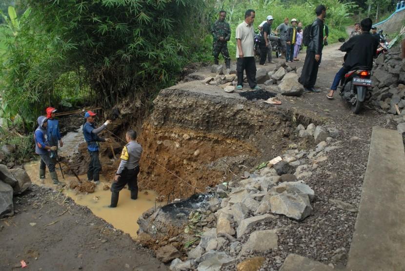 Sejak Oktober, Ada 10 Kejadian Longsor di DI Yogyakarta