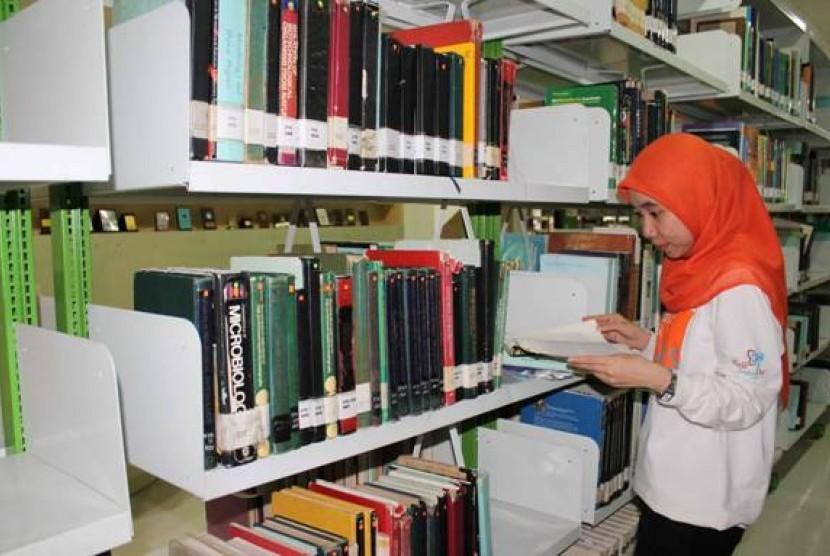 Mencari literasi tentang odapus di perpustakaan