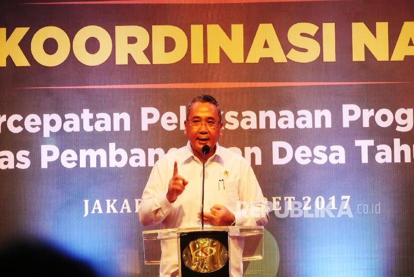 Mendes PDTT Eko Sandjojo menyampaikan arahannya pada pembukaan Rapat Koordinasi Nasional, Percepatan Pelaksanaan Program Prioritas Pembangunan Desa Tahun 2017, di Jakarta, Kamis (2/3).