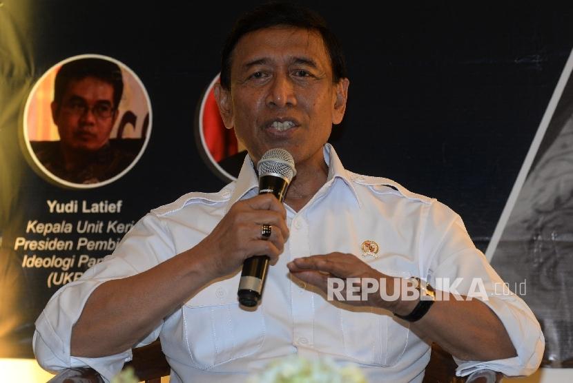 Menko Polhukam Wiranto menjadi pembicara dalam Diskusi Media Perppu Ormas di Galeri Nasional, Jakarta, Kamis (13/7).