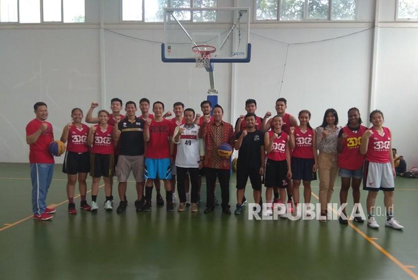 Menpora mengunjungi pelatnas basket 3x3, Jumat (12/1) di lapangan basket Istana Kana Menteng Jakarta.