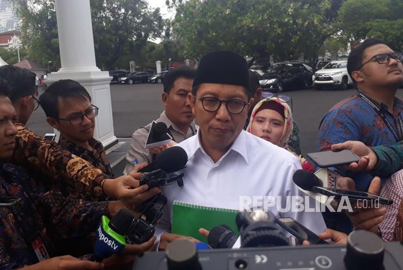 Menteri Agama Lukman Hakim Saifuddin memberikan keterangan terkait penyerangan sejumlah pemuka agama di berbagai daerah, Senin (12/2).