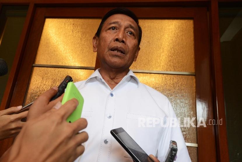 Menteri Koordinator bidang Politik Hukum dan Keamanan (menkopolhukam) Wiranto.