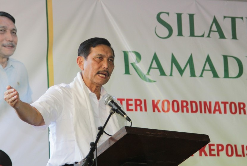 Menteri Koordinator Politik, Hukum, dan Keamanan Luhut Binsar Panjaitan