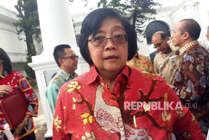Menteri LHK Siti Nurbaya memberikan keterangan pers terkait konferensi tenurial 2017, dan program kehutanan sosial, Rabu (25/10).