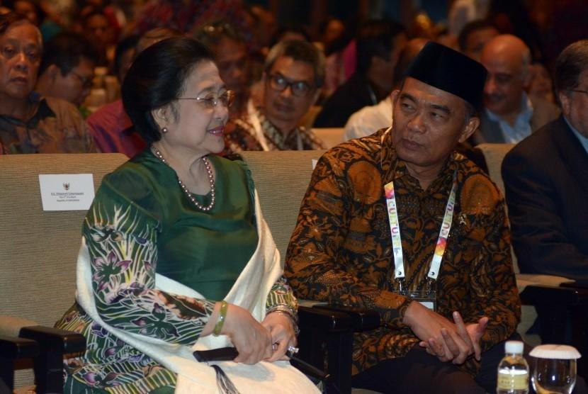 Megawati Gantikan Jokowi di Acara Forum Kebudayaan Dunia