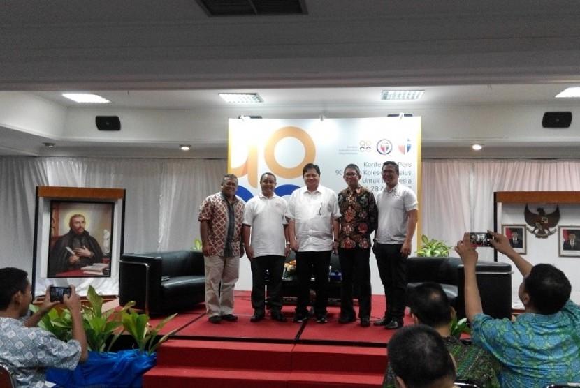 Menteri Perindustrian Airlangga Hartanto yang juga alumnus Kolese Kanisius hadir dalam acara rangkaian perayaan HUT Kolese Kanisius ke-90