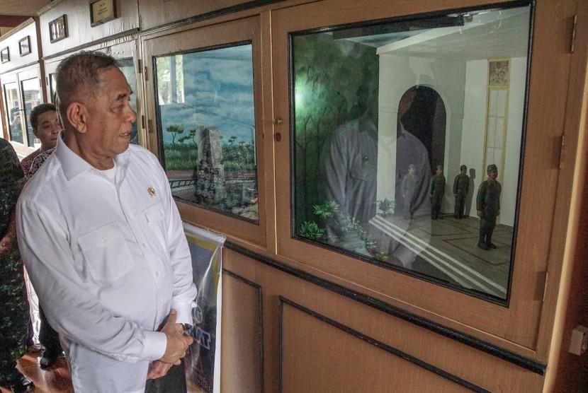 Indonesian Defense Minister Ryamizard Ryacudu