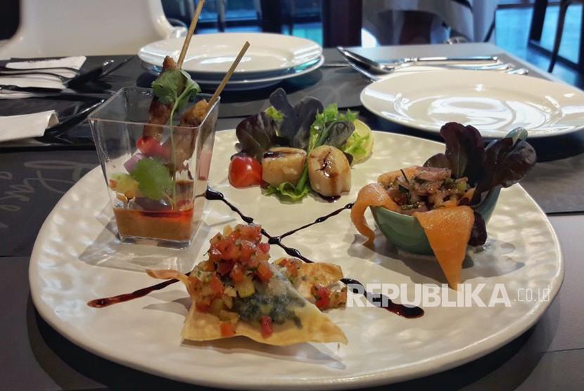 Menu-menu hidangan Greyhound Cafe di Grand Indonesia, Jakarta.