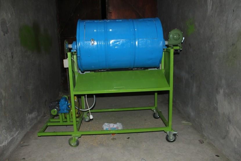Mesin pengering padi berbasis elektrik otomasi.