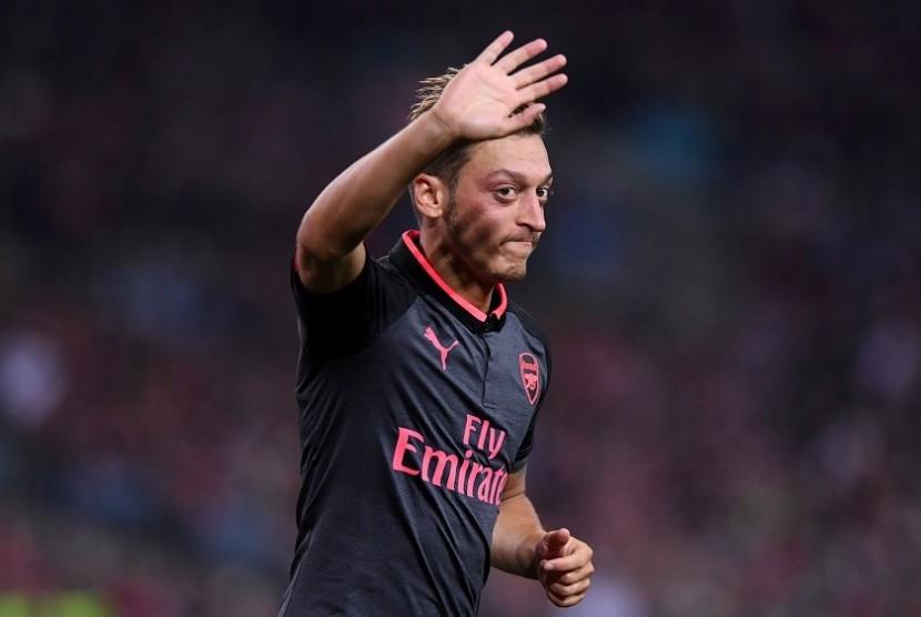 Arsenal Masih Upayakan Negosiasi Kontrak Dengan Oezil
