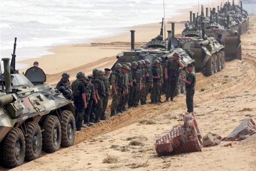 Militer Rusia saat menggelar operasi militer di wilayah Kaukasus Utara.