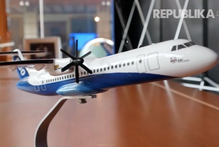 Miniatur pesawat R80 (ilustrasi)