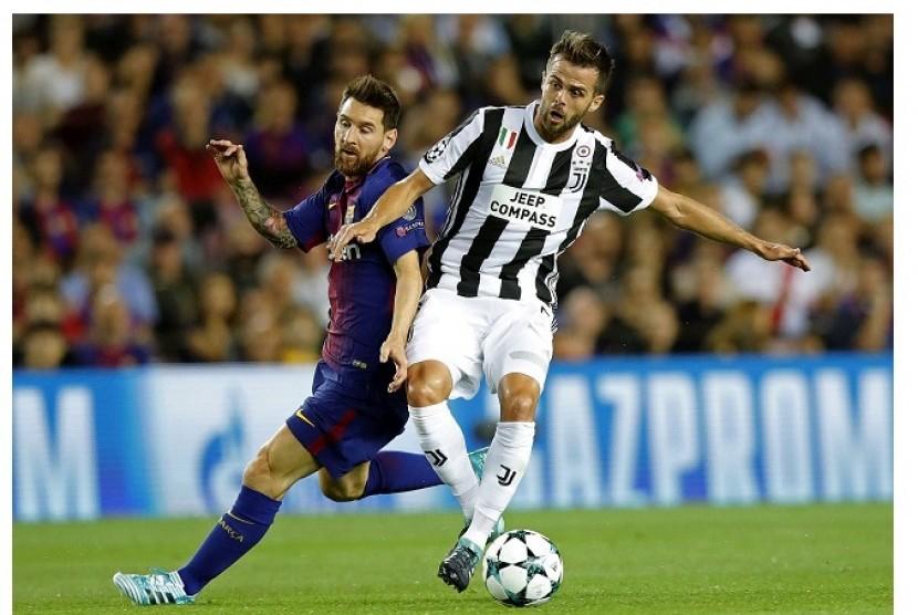Pjanic Optimistis Juventus Kembali Taklukkan Barcelona