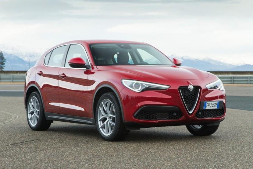 Mobil Alfa Romeo Stelvio jadi favorit di 2017.