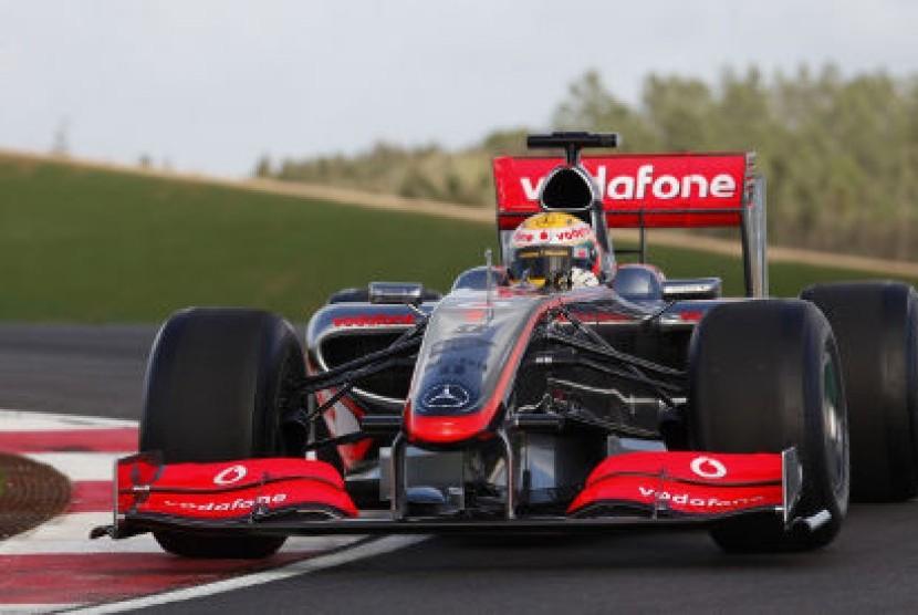 Mobil balap formula 1 McLaren