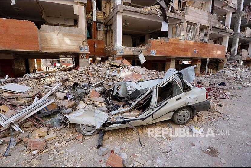 Bangunan runtuh (ilustrasi).