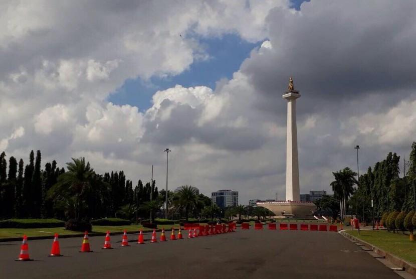 Monumen Nasional (monas).