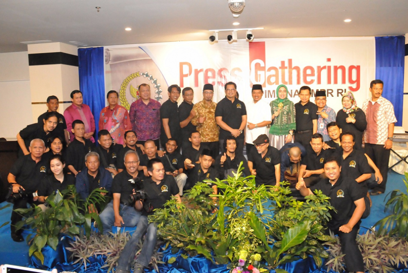 MPR dan rombongan wartawan menggelar press gathering di Tanjung Pinang, Kepulauan Riau.