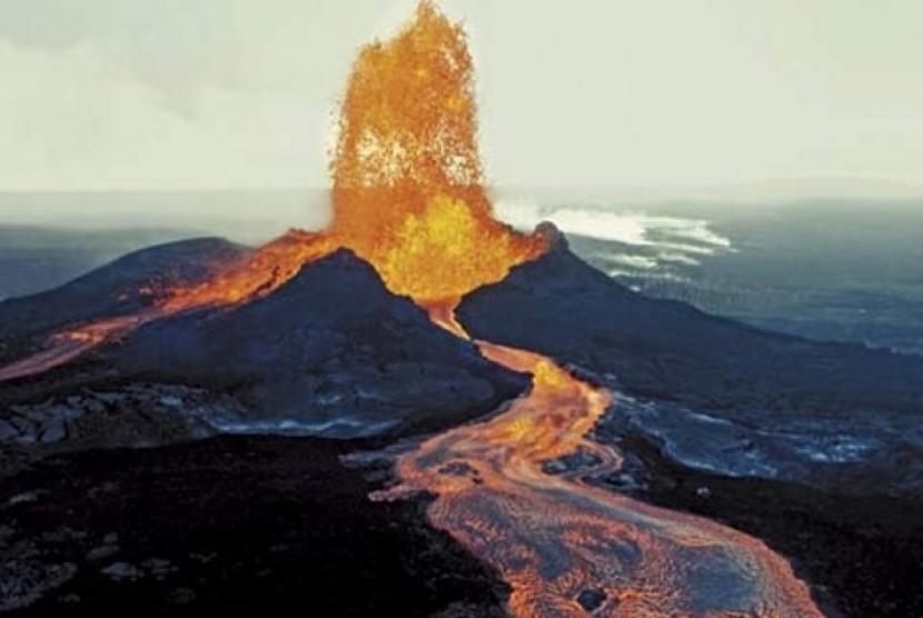 Muntahan magma dari erupsi gunung berapi (Ilustrasi)