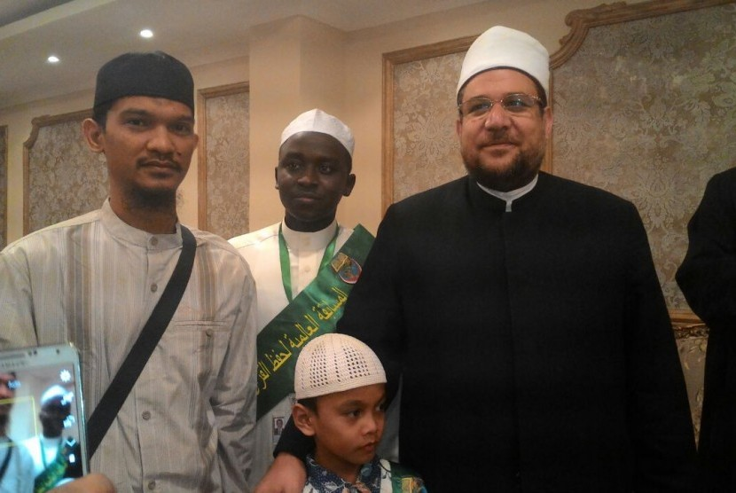 Musa bersama ayahnya saat mengikuti Musabaqah Hifzil Quran (MHQ) Internasional