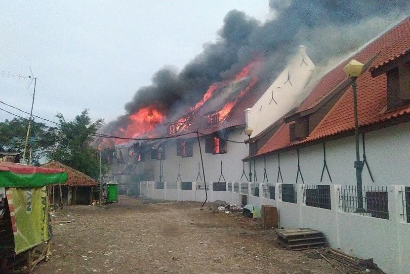Museum Bahari Terbakar, 20 Unit Mobil Damkar Dikerahkan
