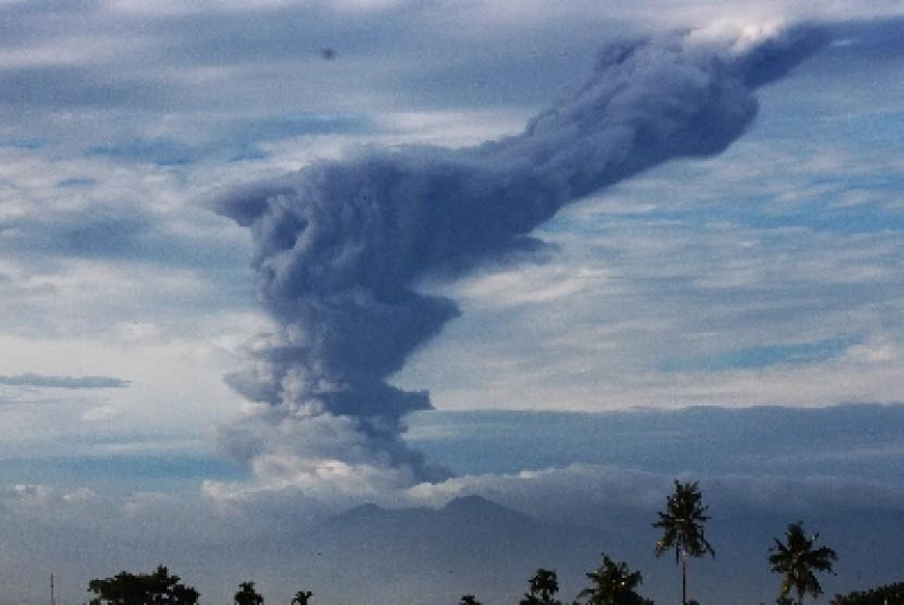 Musibah erupsi gunung berapi di Indonesia (ilustrasi).