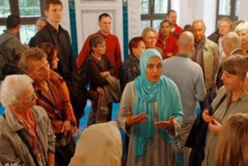Muslim di Eropa mencoba menjangkau masyarakat non Muslim
