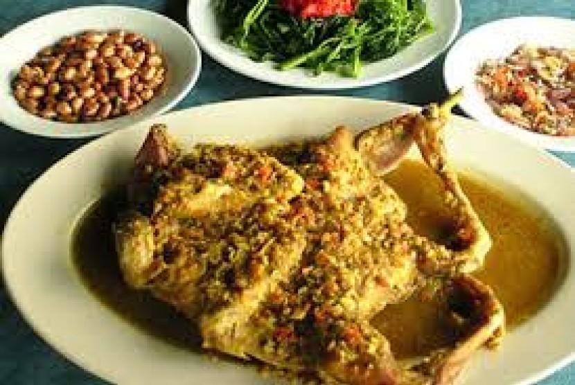 Nasi Ayam Betutu Men Tempeh (Ilustrasi)