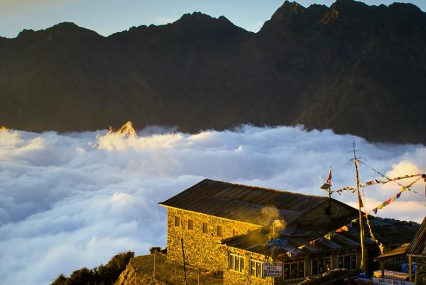 Negeri di atas awan (ilustrasi)