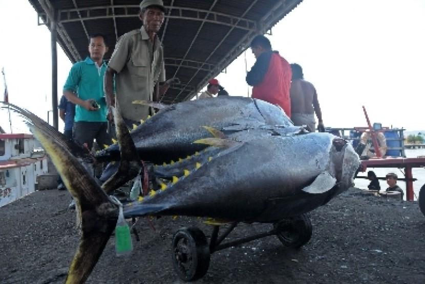Nelayan di Cilacap kini menjadi peserta BPJS Ketenagakerjaan.
