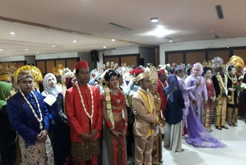 Puluhan Pasangan Kawin Siri di Surabaya Ikuti Nikah Massal