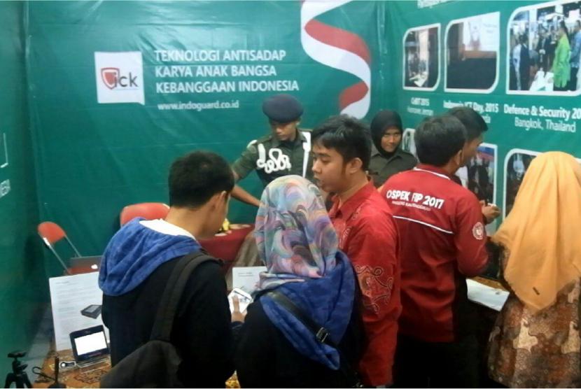pameran sains dan teknologi pancasila di Gelanggang Olah Raga Universitas Negeri Yogyakarta (GOR UNY).