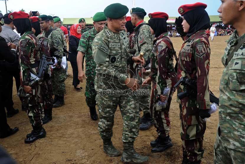 http://static.republika.co.id/uploads/images/inpicture_slide/panglima-kostrad-letnan-jenderal-tni-gatot-nurmantyo-_130817150828-906.jpg