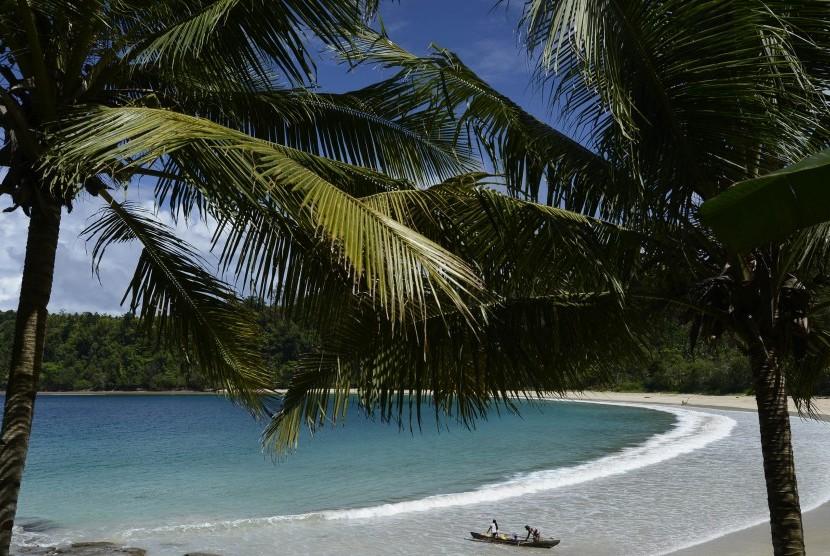 Pantai Gurango, Morotai Utara, Pulau Morotai, Maluku Utara.